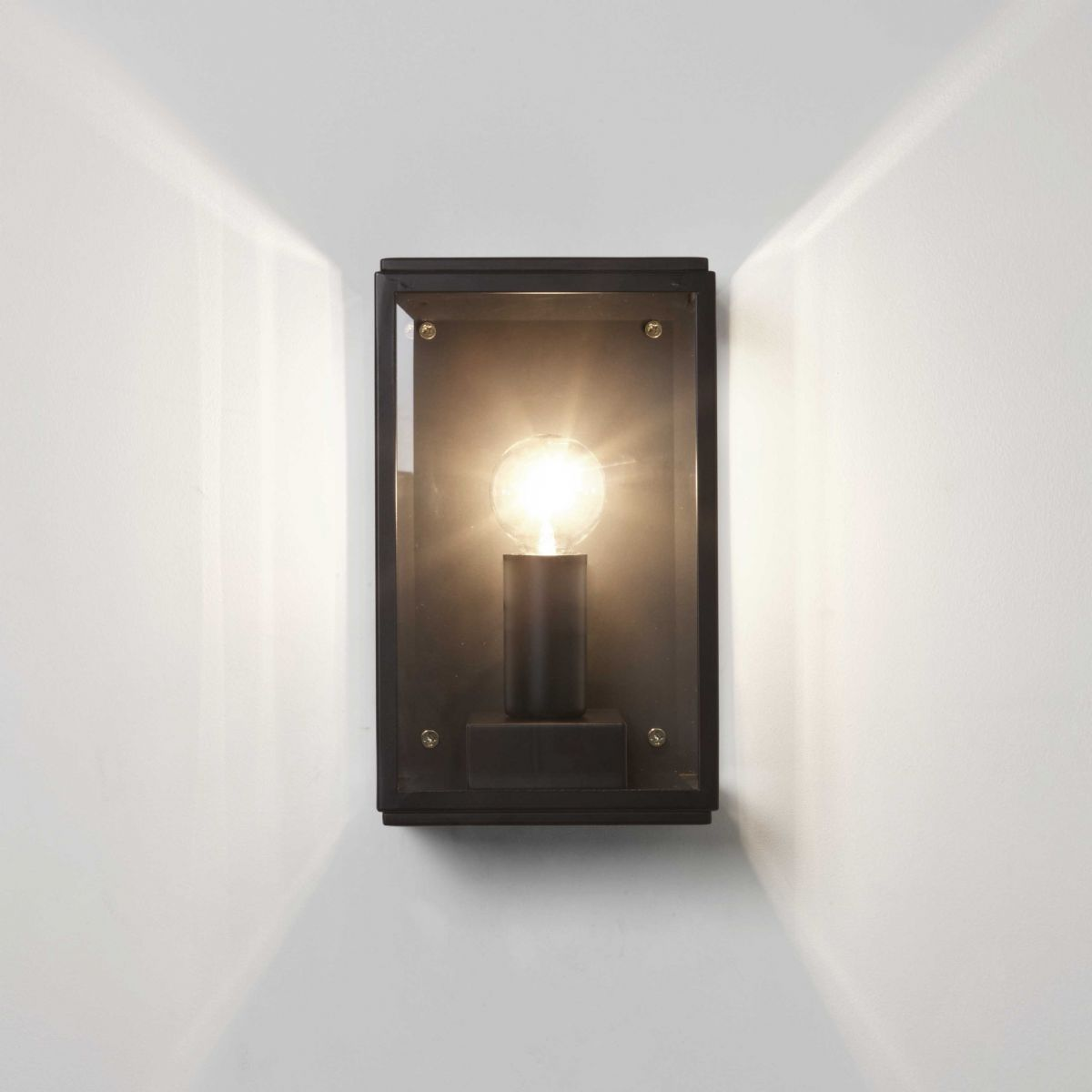 Astro Homefield 130 wall light black 7590